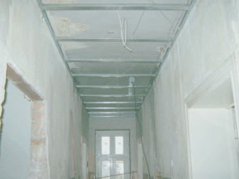 Decke abhängen für Elektroinstallation