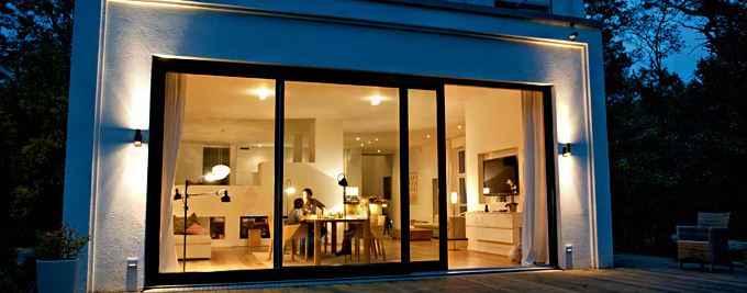 die beleuchtung was hausbesitzer f r m glichkeiten. Black Bedroom Furniture Sets. Home Design Ideas